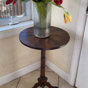Homemade wouldn't plant stand for Sale in Wilmington, DE