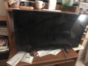 Insignia 40 inch tv for Sale in Fort Lauderdale, FL