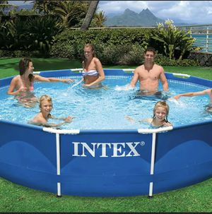"""Intex 12' x 30"""" Metal Frame Round Above Ground Swimming Pool with Filter Pump for Sale in Lombard, IL"""