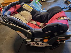 Chicco keyfit 30 infant car seat and base for Sale in Foster City, CA