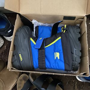 Sorel Kids Snow boots Size 11 Brand New In Box for Sale in Bothell, WA