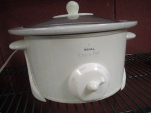 Rival Crock Pot for Sale in Norfolk, VA