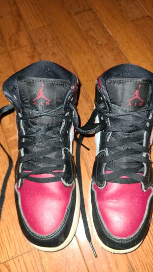 Jordan 1 mid bred toe for Sale in Clifton, VA