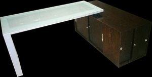 Escritorio Moderno. Puertas con cerradura - Modern Desk. Doors with lock for Sale in West Palm Beach, FL