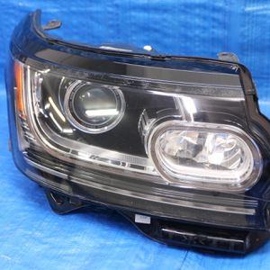 2013-2017 Range Rover Hse Right Headlight Original Complete for Sale in Hollywood, FL