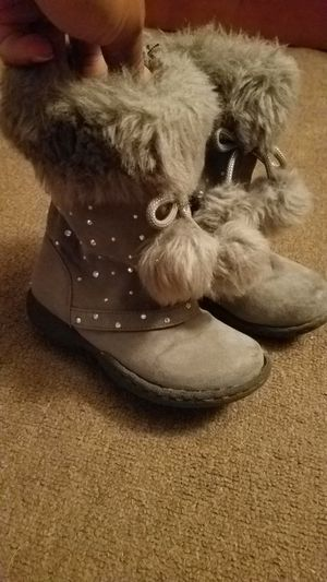 Girls size 10 grey boots for Sale in Schenectady, NY