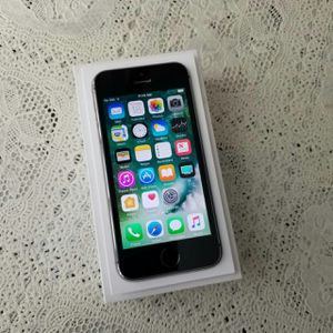 IPhone 5S , UNLOCKED  (Excellent  Condition /  Functional / Clean  ) for Sale in West Springfield, VA