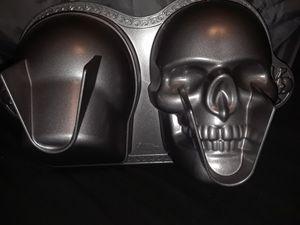 Skull Cake Pan for Sale in Orlando, FL