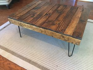 """Coffee table. 40 """" long 17 """" tall. 28.5. """"Wide for Sale in Franklin, TN"""