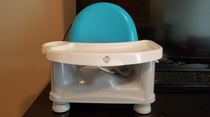 Safety 1st Easy Care Swing Tray Feeding Booster Seat for Sale in Woodstock, GA