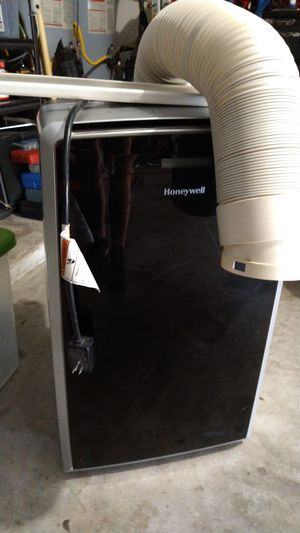 Honeywell ac unit for Sale in Burleson, TX