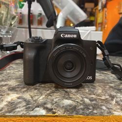 Canon EOS M50 for Sale in Brooklyn,  NY