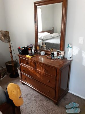 Bedroom set for Sale in BELLEAIR BLF, FL