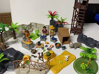 Playmobil Animal Encloser Explorers Set Figures Trees Forest for Sale in Kenmore,  WA