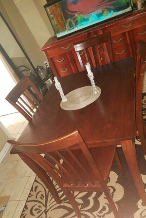Classic solid wood dining set for Sale in UPR MARLBORO, MD
