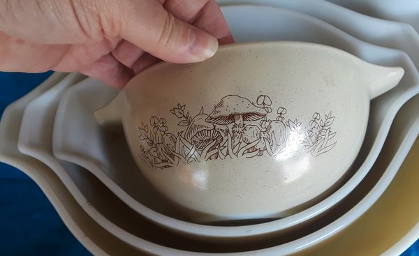 Pyrex Forest Fancies/Mushrooms Mixing Bowls