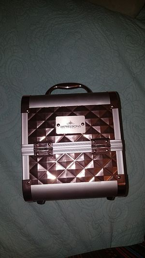 New impressions vanity company makeup case for Sale in Bellwood, IL
