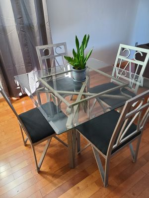 Glass Top Kitchen Table and chairs $40 for Sale in Avon, CT