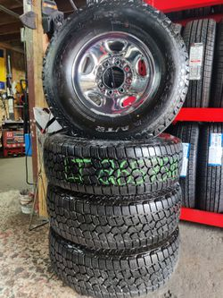 16' Chevy 8x6.5 OEM Wheels LT265/75/16 E Rated 90% for Sale in Everett,  WA