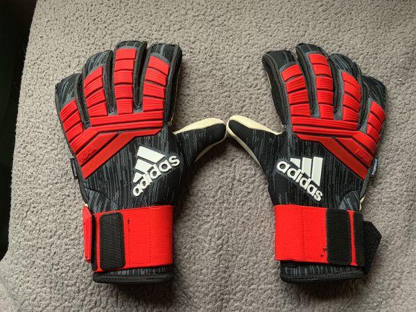 Adidas predators goalie gloves