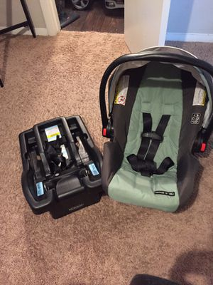 Graco Infant Car Seat W/ Base for Sale in Gastonia, NC