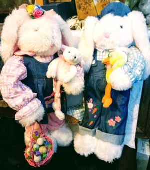 2 ft tall Easter bunny decor for Sale in Medford, OR