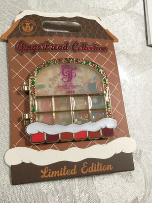 Disney LE Pin Gingerbread House Florida for Sale in Kissimmee, FL