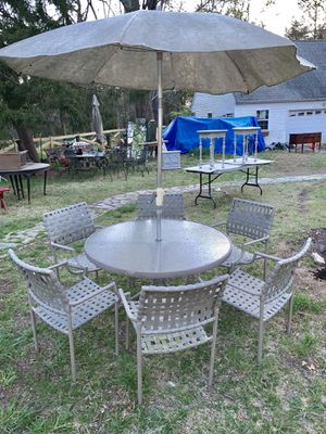 Patio table, chairs umbrella set for Sale in Silver Spring, MD