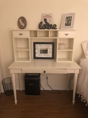 White writing Desk with Detachable Hutch for Sale in West Los Angeles, CA