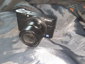 SONY CYBERSHOT DSC-RX100 for Sale in Laguna Niguel, CA