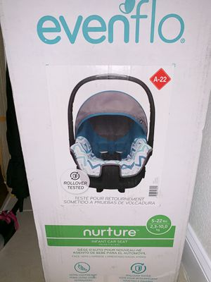 Car seat for infants for Sale in Palm Beach Gardens, FL