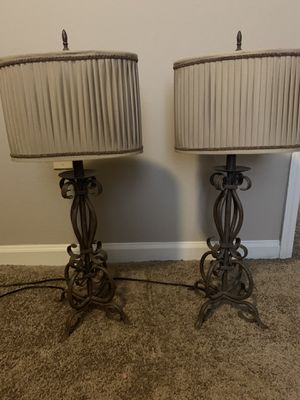 Set of 2 Lamps with Shades for Sale in Tampa, FL