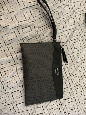 Guess wallet bag ! for Sale in Jurupa Valley, CA