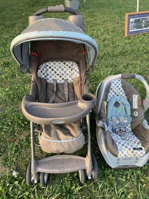 Stroller & car seat for Sale in Milwaukee, WI