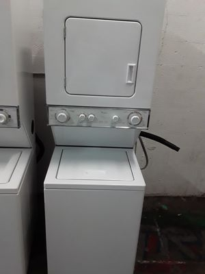 """24"""" stackable washer and dryer for Sale in Pompano Beach, FL"""