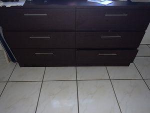 6 drawer dresser for Sale in Hialeah, FL