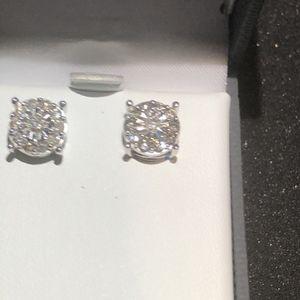 Diamond 💎 Stud Earrings for Sale in Commerce, CA