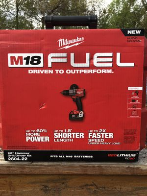 Milwaukee m18 fuel brushless hammer drill kit w/ 2 5.0ah battrleries for Sale in Candler, NC