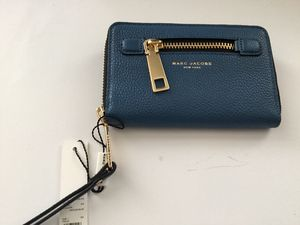 Marc jacobs Azure Blue Leather Zip Around Wallet for Sale in San Francisco, CA