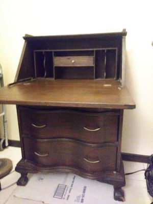Vintage desk/dresser for Sale in Davie, FL