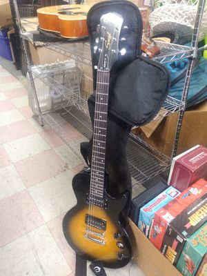 Special model Gibson electric guitar with carry bag for Sale in Philadelphia, PA