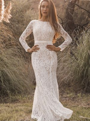 White Long-Sleeve Lace Wedding Dress for Sale in Azalea Park, FL