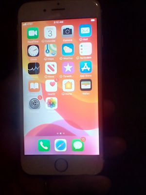 iPhone 6s unlocked AT&Tcarrier no cracks for Sale in Bakersfield, CA