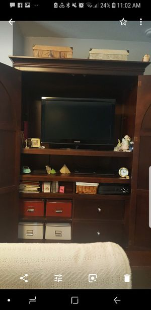 Real Wood Mahogany Armoire for Sale in Pembroke Pines, FL
