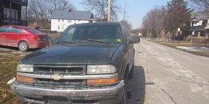 01 chevy blazer for Sale in Cleveland, OH