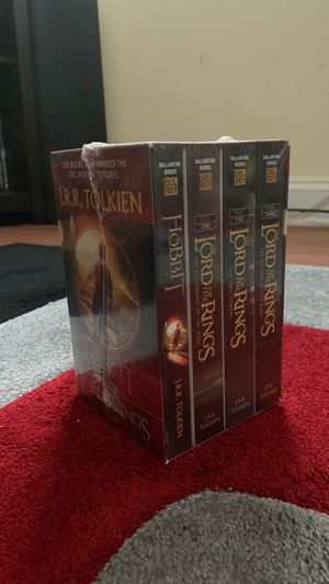 Complete Lord of the Rings book set for Sale in North Plainfield, NJ