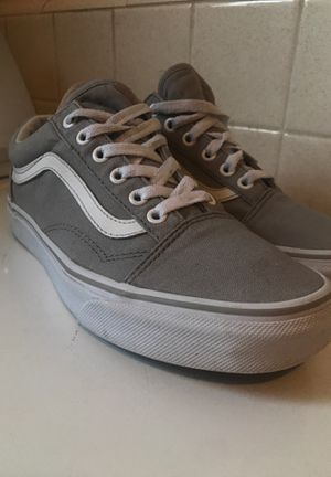 VANS Authentic Women Size 7.5 in Great Condition for Sale in Whittier, CA