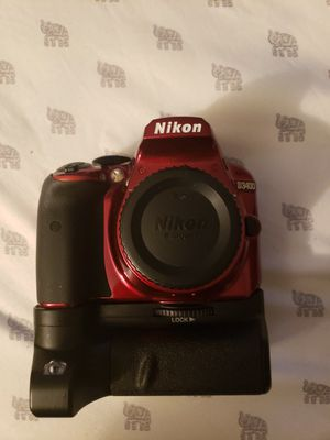 Nikon D3400 Nearly Brand New for Sale in Roswell, GA