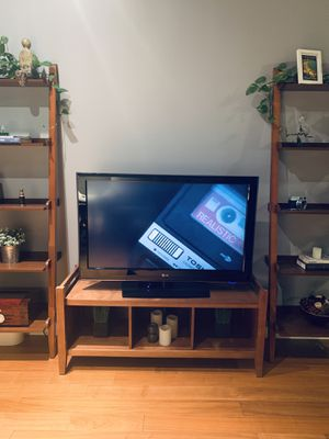 42 inch flat screen tv LG for Sale in Chicago, IL