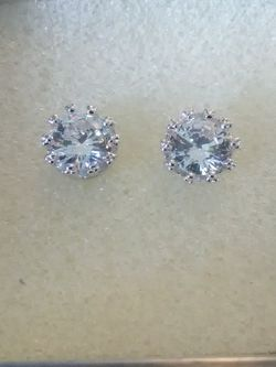 925 Sterling And White Sapphire Stud Earrings On Sale Now for Sale in Lombard,  IL